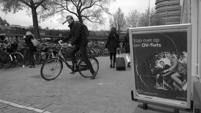 OV-fiets gebruiker bij blog over OV-fiets